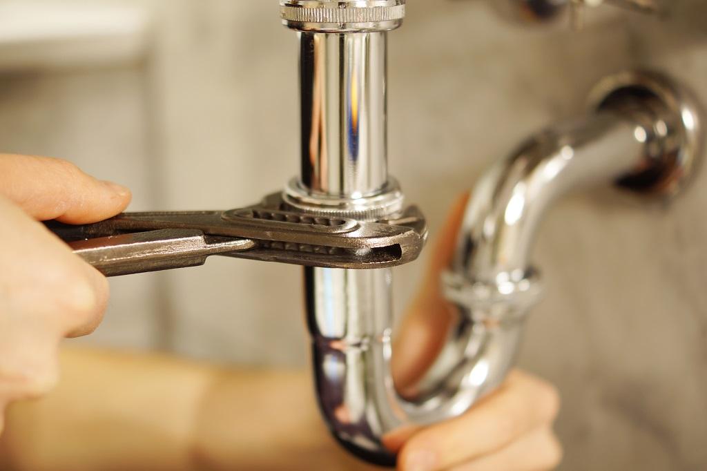 problemas de fontanería más comunes en verano
